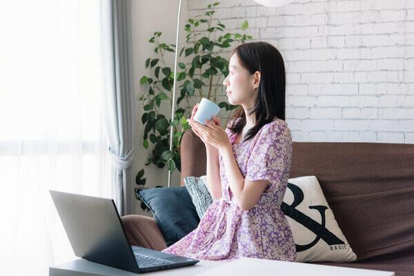 ユーネクストビジネス(younext)は自宅のどこでも副業ができる!
